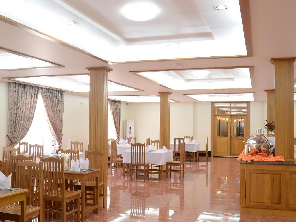 Hotel Queen Jamadevi Sunshine Hotel Mawlamyine Myanmar Bookingcom