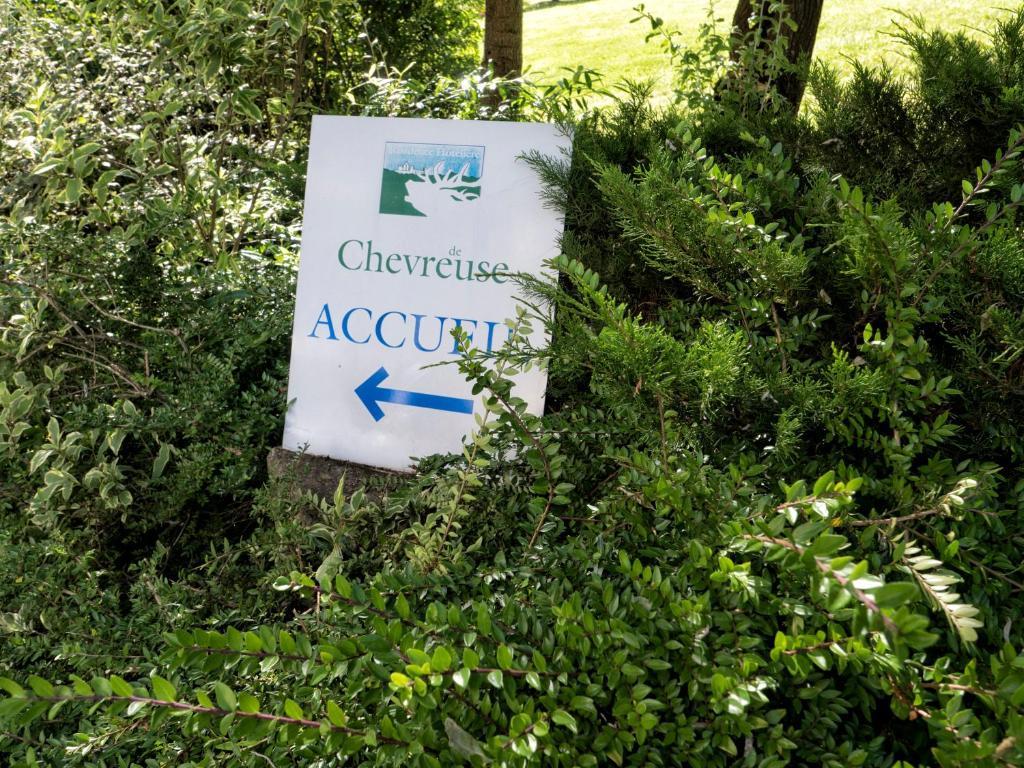 Residence Hotel Les Ducs De Chevreuse  Chevreuse  Appart