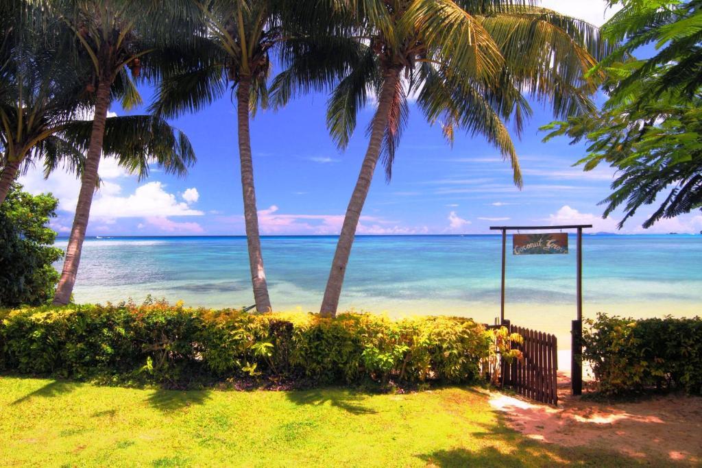 Coconut Grove Beachfront Cottages Reserveer nu. Afbeelding uit fotogalerij van de accommodatie ...