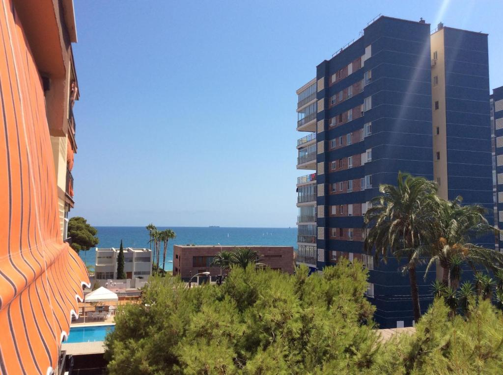 gran imagen de Apartamentos Benicassim Playa Terrers