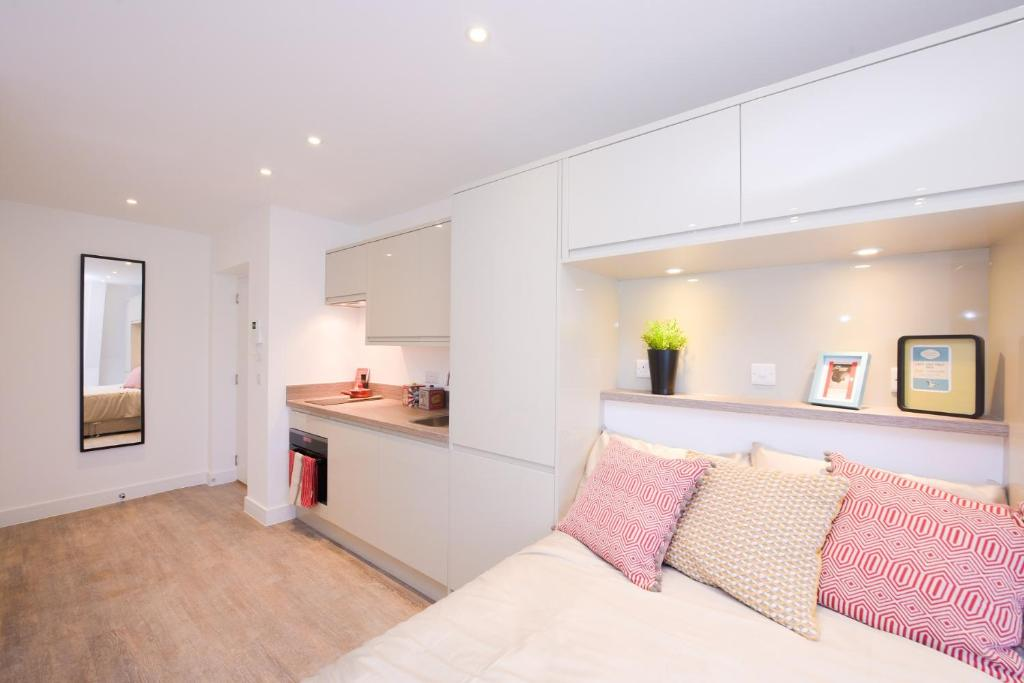 A room at Town OR Country - Canute Studio
