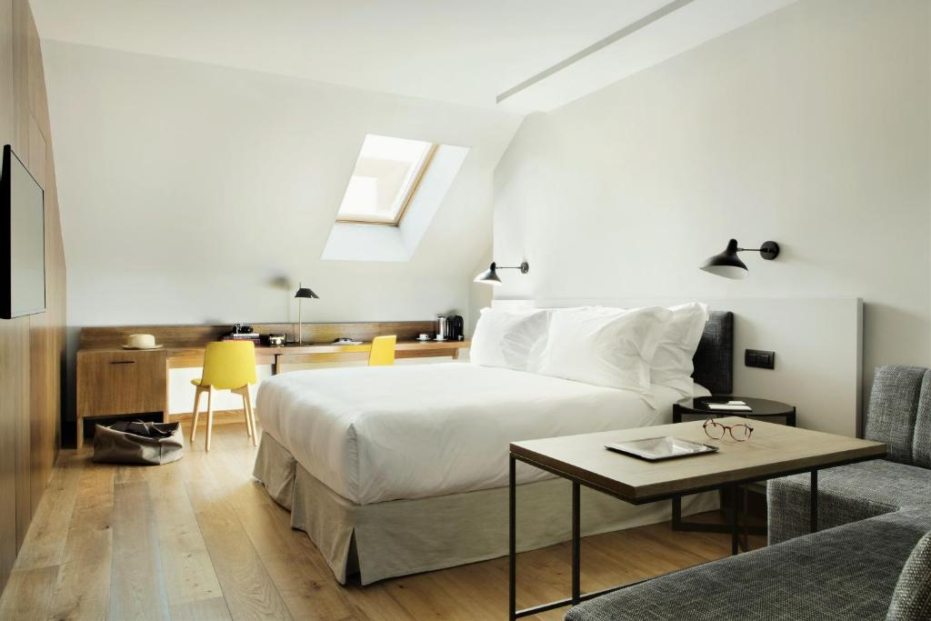 boutique hotels in madrid  150