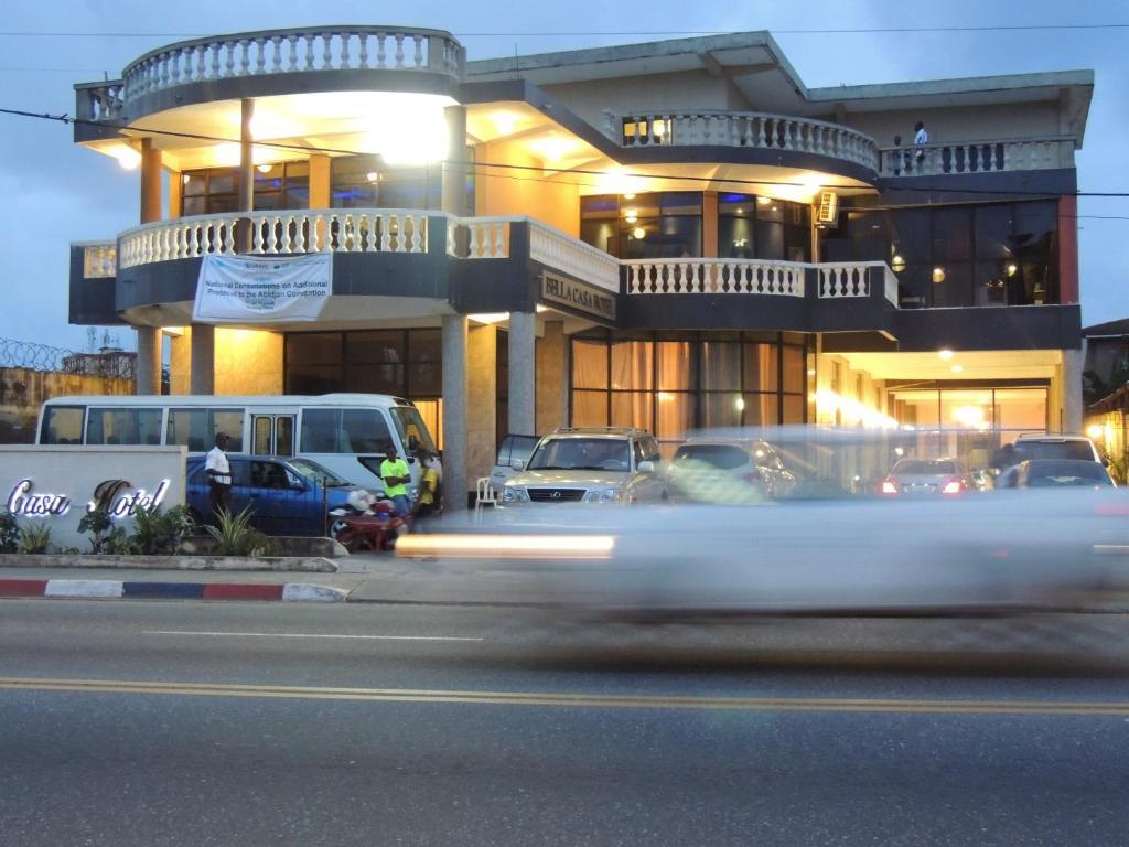 Bella casa hotel monrovia liberia for Hotel reserver