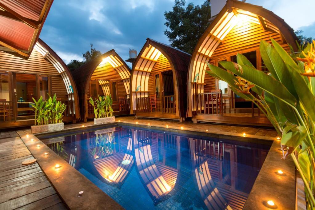 Hotel little loco gili trawangan indonesia for Little hotels