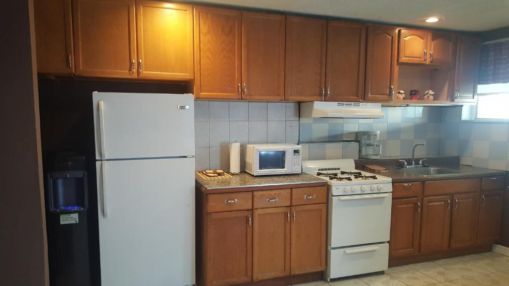 New York Roommate Room For In Brooklyn 2 Bedroom Apartment