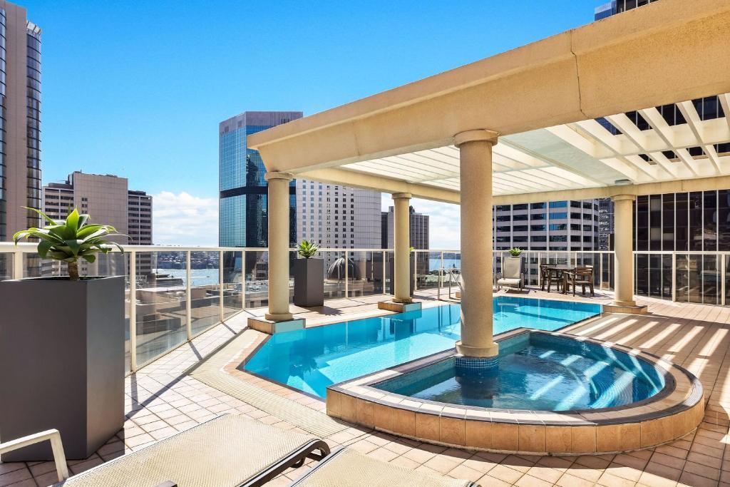 Condo Hotel Mantra 2 Bond Street, Sydney, Australia ...