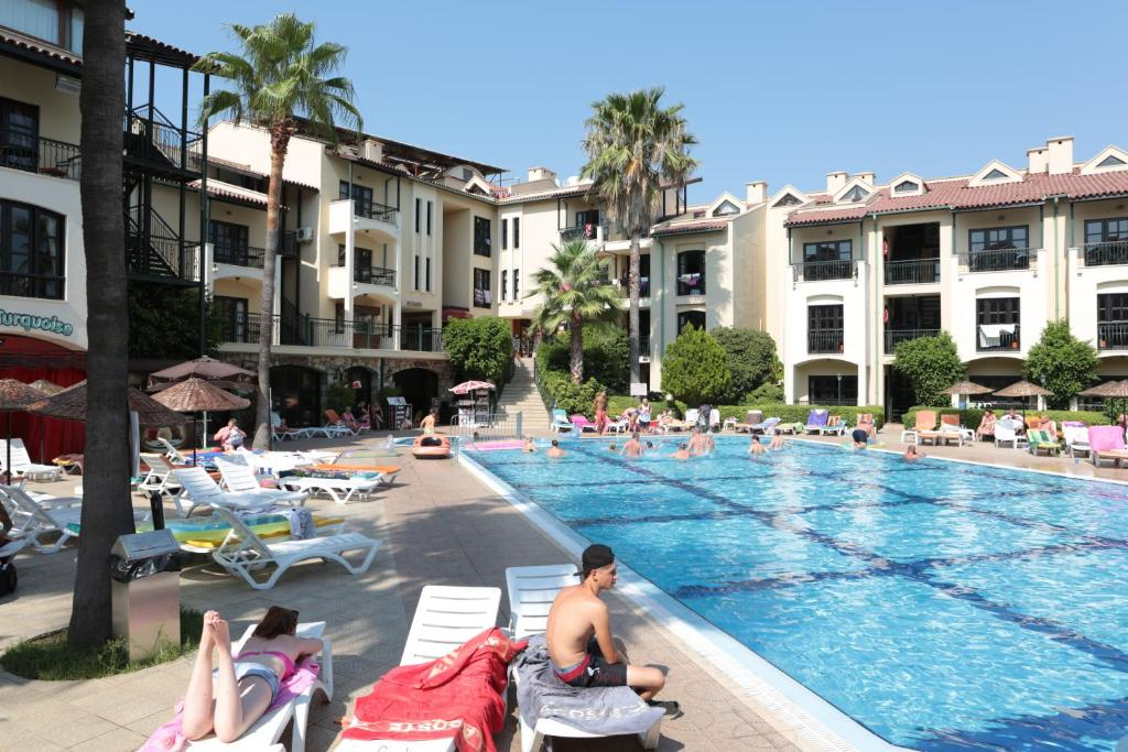 Condo hotel club turquoise apart marmaris turkey for Corse appart hotel