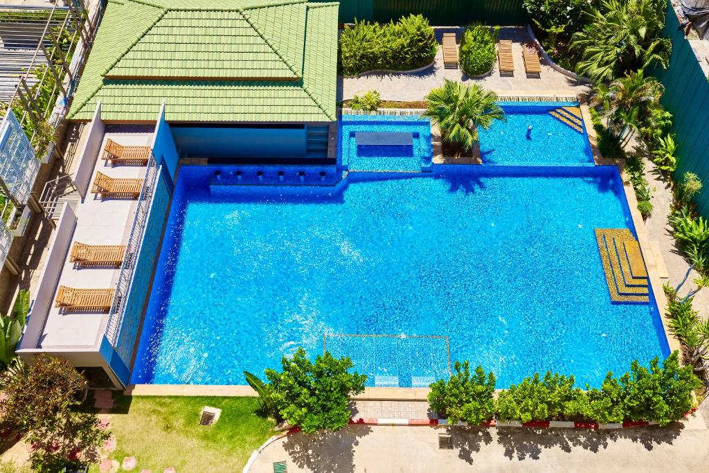 tudor court by pattaya south thailand rooms apartment