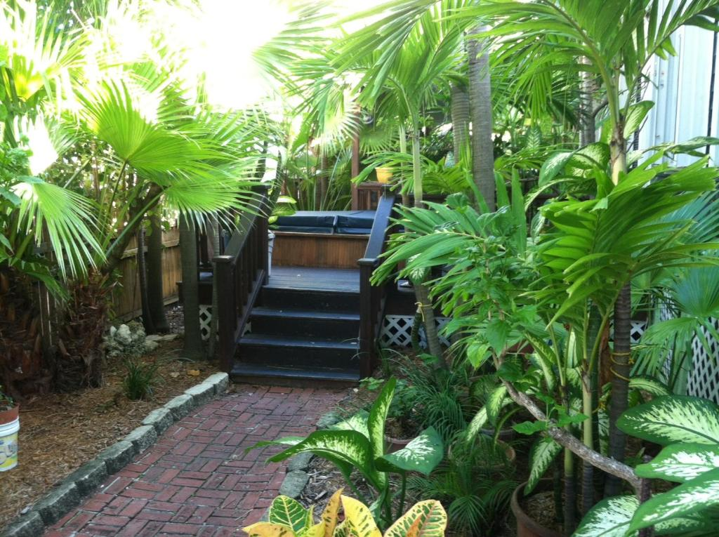 A Beach Bungalow Key West Fl Booking