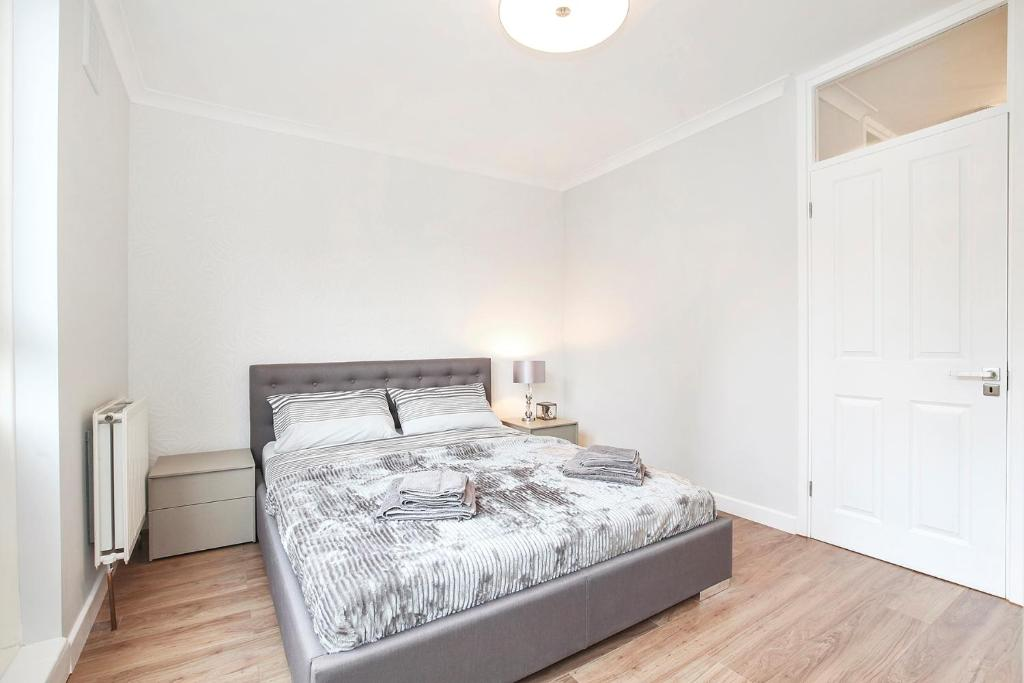 Charmant +14 Photos. Close ×. Sachu0027s 2 Bedrooms Apartment