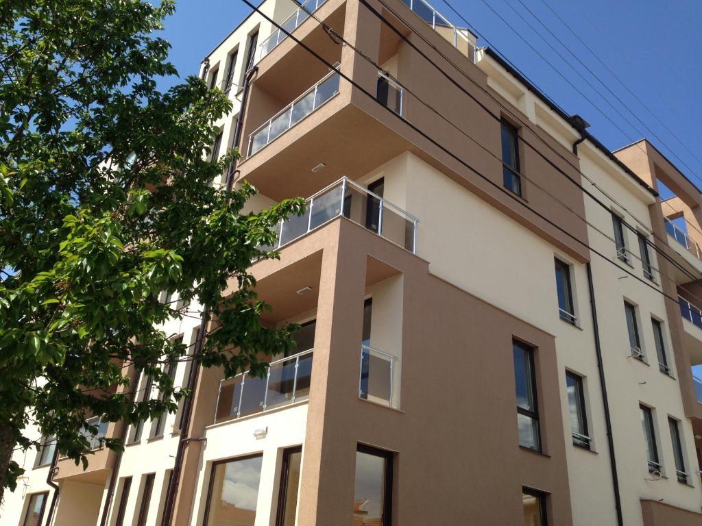 Апартамент Siltours - Бургас