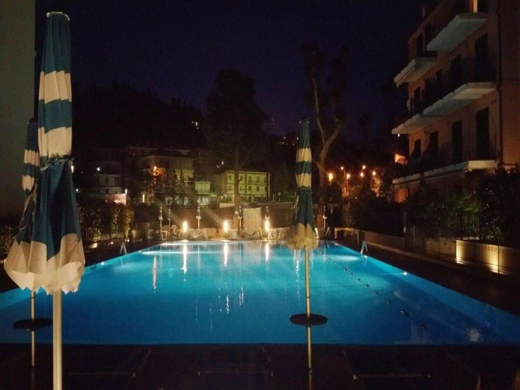 Appartamento Vista Mare Con Piscina Cala Di Sole Imperia Prezzi
