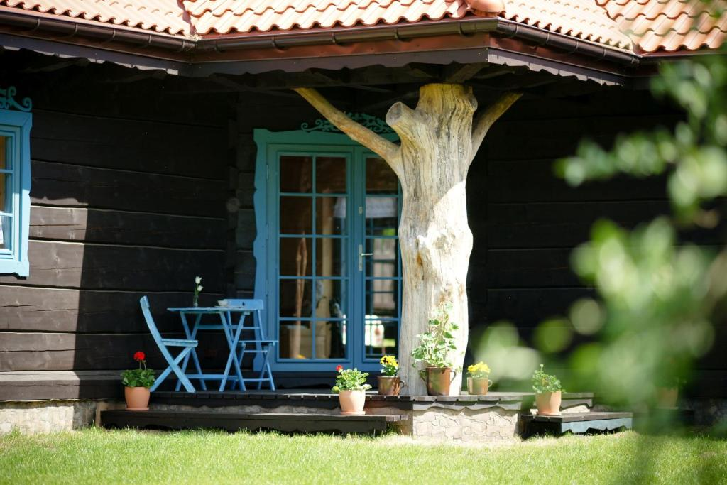 A porch or other outdoor area at Chata Warmińska
