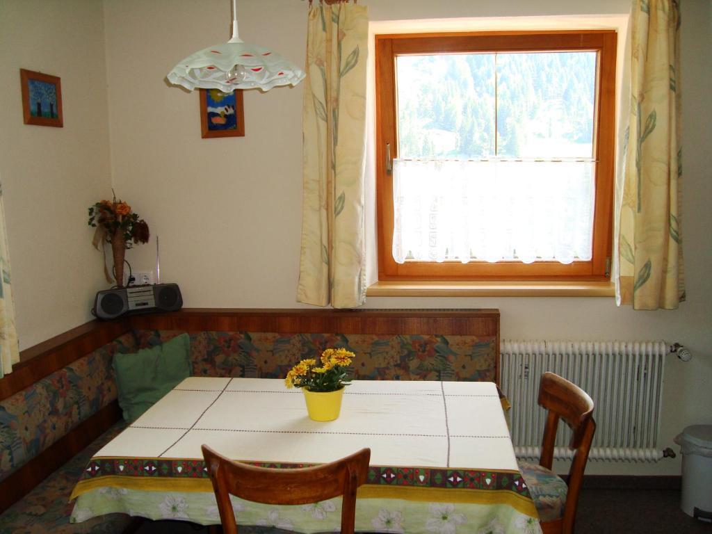Ferienwohnung Haus Sonnenrose (Österreich Oberau) - Booking.com