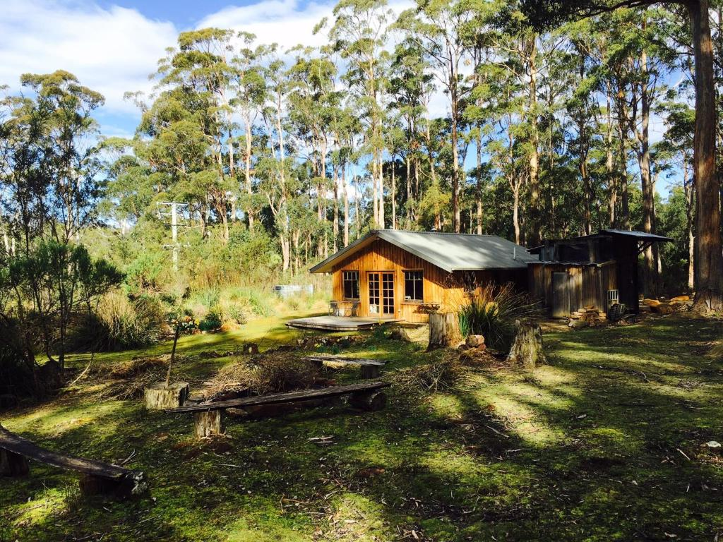Cloudy Bay accommodation Bruny Island