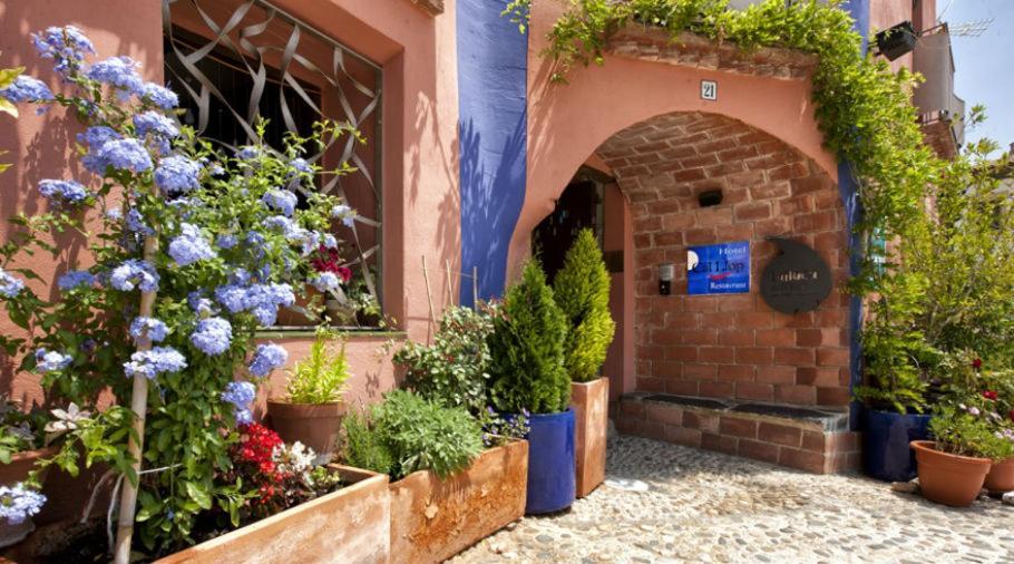 boutique hotels in tarragona  101