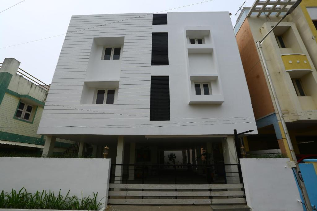 Yali Service Apartment, Chennai, India - Booking.com