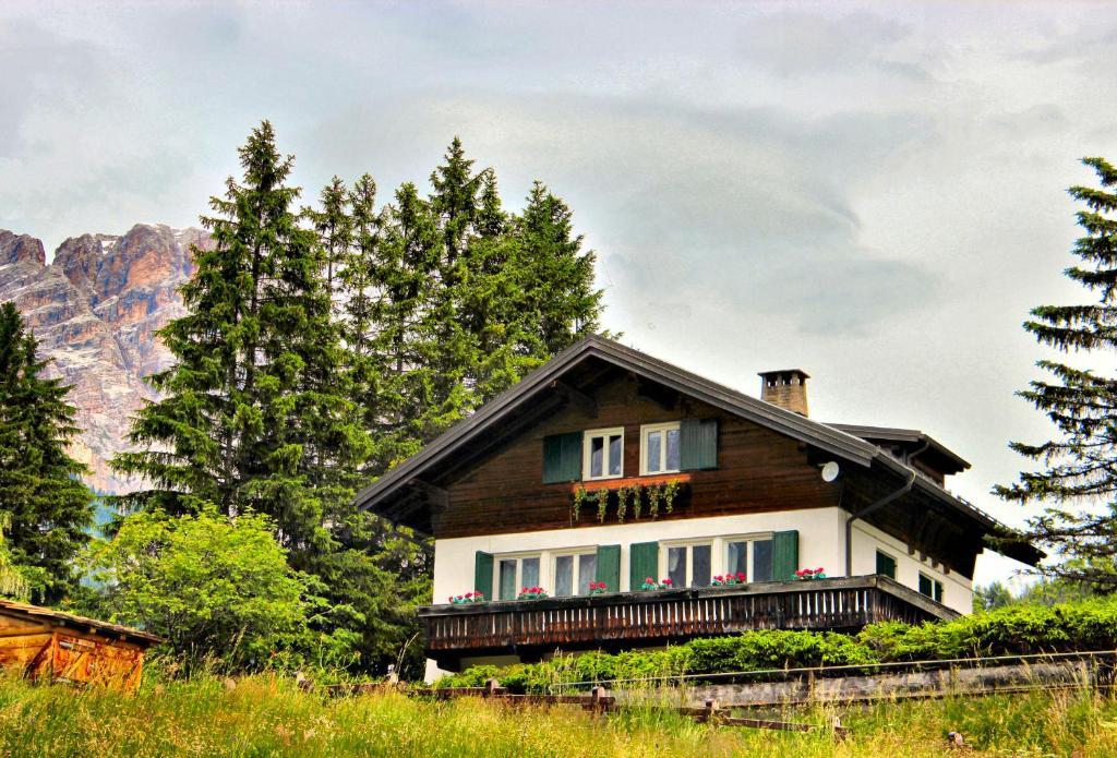 Cortina dAmpetstso housing rentals