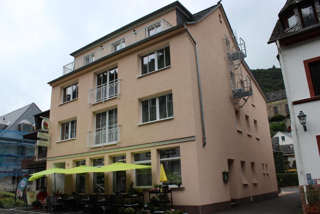 http://t-ec.bstatic.com/images/hotel/max1024x768/798/79882082.jpg