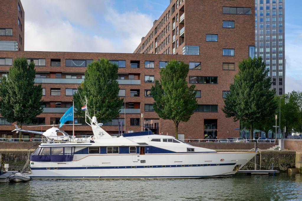 christina onassis yachthotel, rotterdam, netherlands - booking