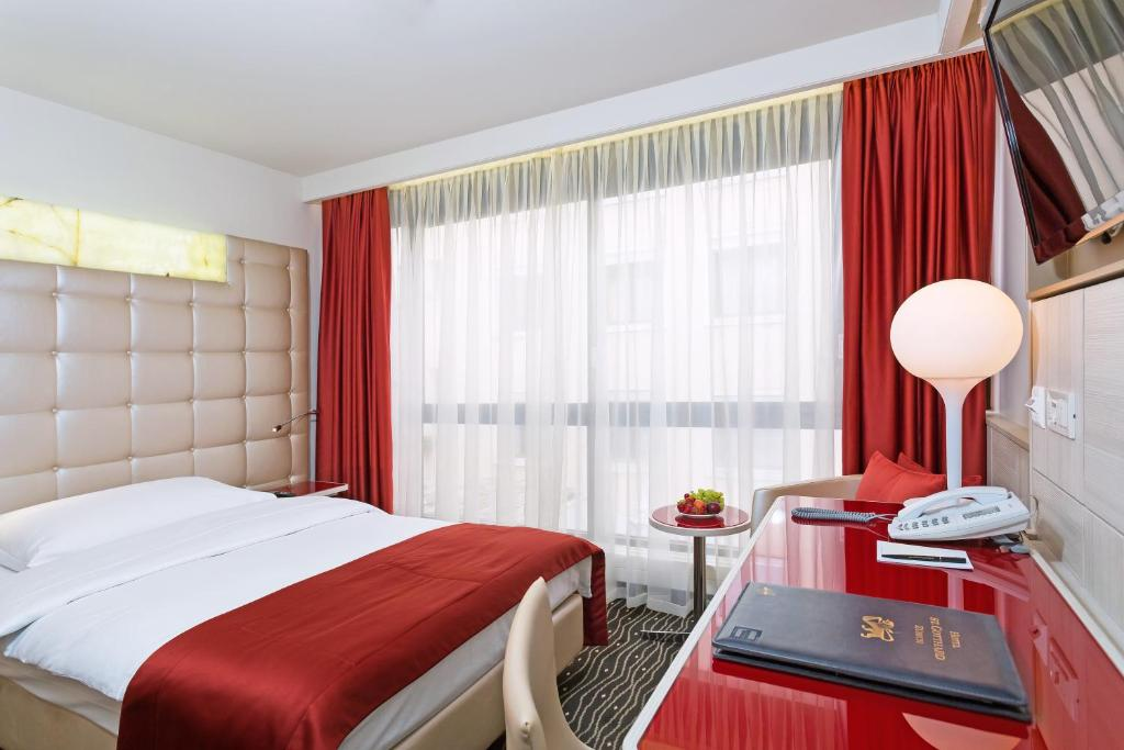 A room at Hotel St.Gotthard