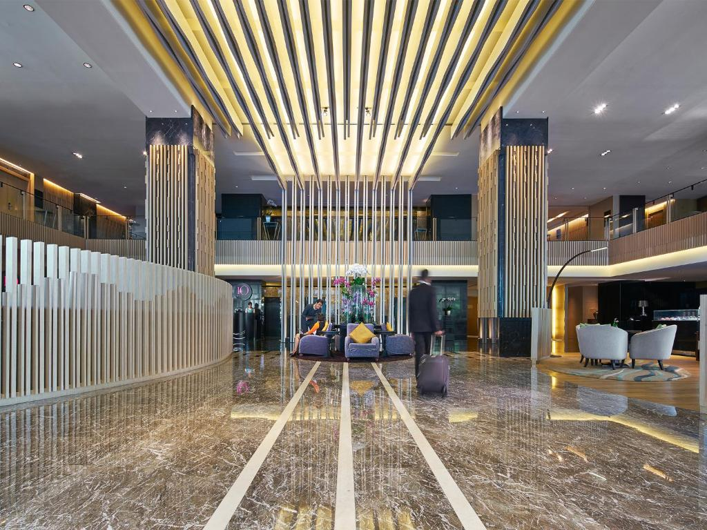 Hotel pan pacific orchard singapore singapore - Pan pacific orchard swimming pool ...