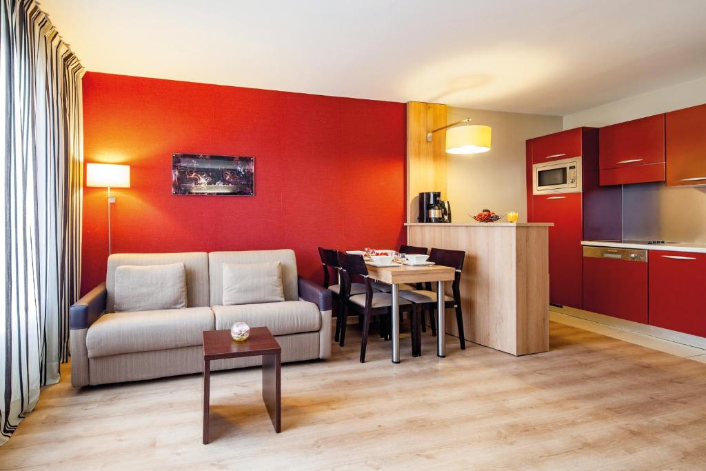 Condo hotel appart city confort marne la vall e for City appart