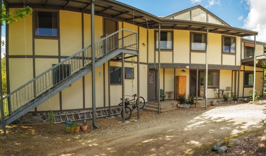 Alpzview Guesthouse Mount Beauty Australia