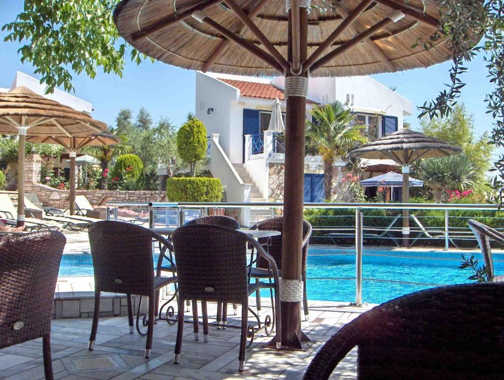 Paris village apartments chrani greece - Village garden apartments fort collins ...