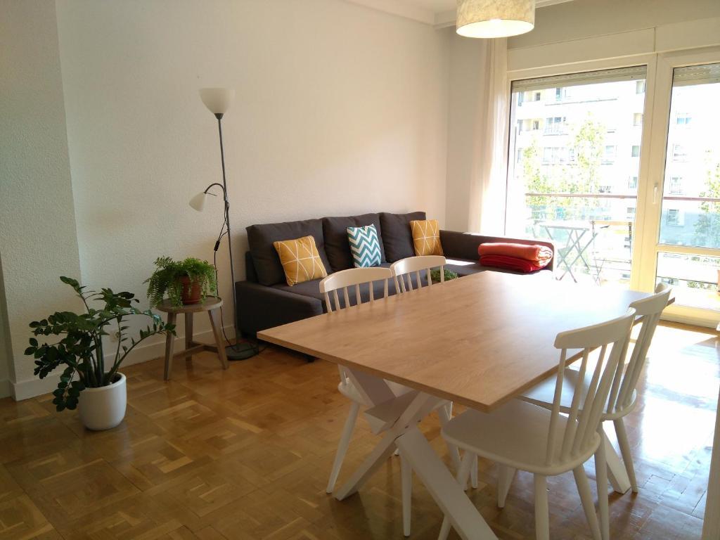 Apartments In Cordovilla Navarre