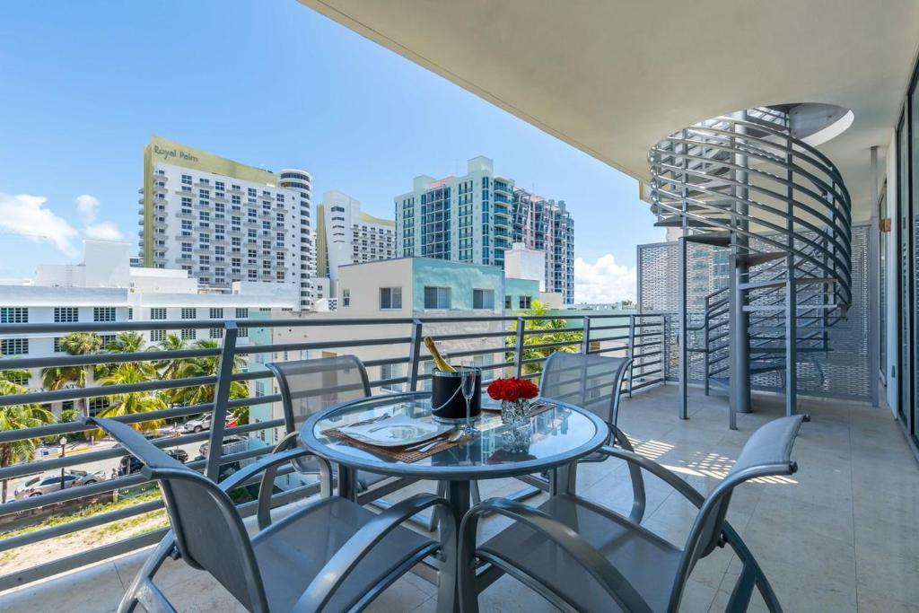Apartment Penthouse Collins Avenue Miami Beach Fl