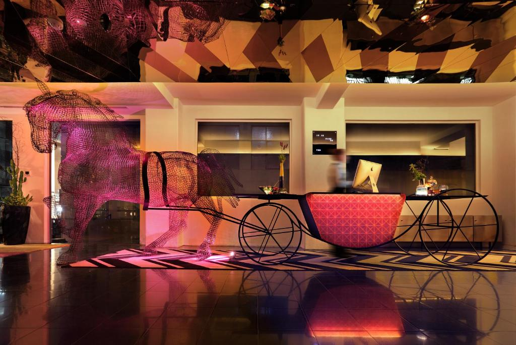 アデルフィ ホテル(Adelphi Hotel)