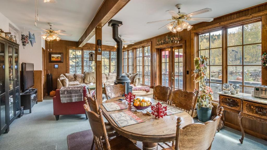Hooper Homestead Bed and Breakfast, Central City, CO ...