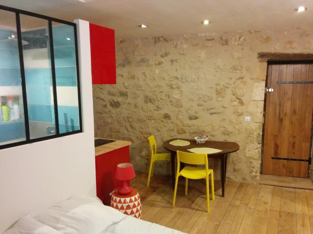 Apartments In Nouaillé-maupertuis Poitou-charentes