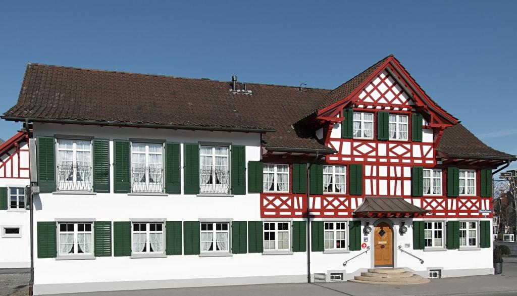 Hotel Gasthof Eisenbahn Schweiz Weinfelden Booking Com