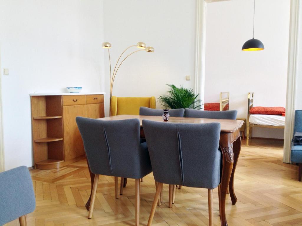 Wohnzimmer Oesterreich Style : Ferienwohnung big vintage style flat near schönbrunn Österreich