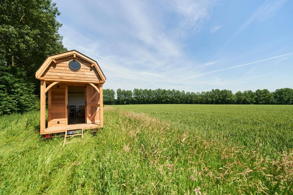 camping wildernest tiny house belgique chaumont gistoux. Black Bedroom Furniture Sets. Home Design Ideas