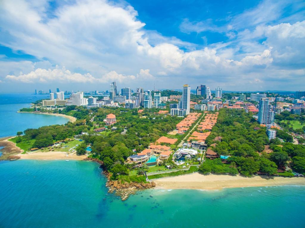Private Beach Pool Villa Pattaya