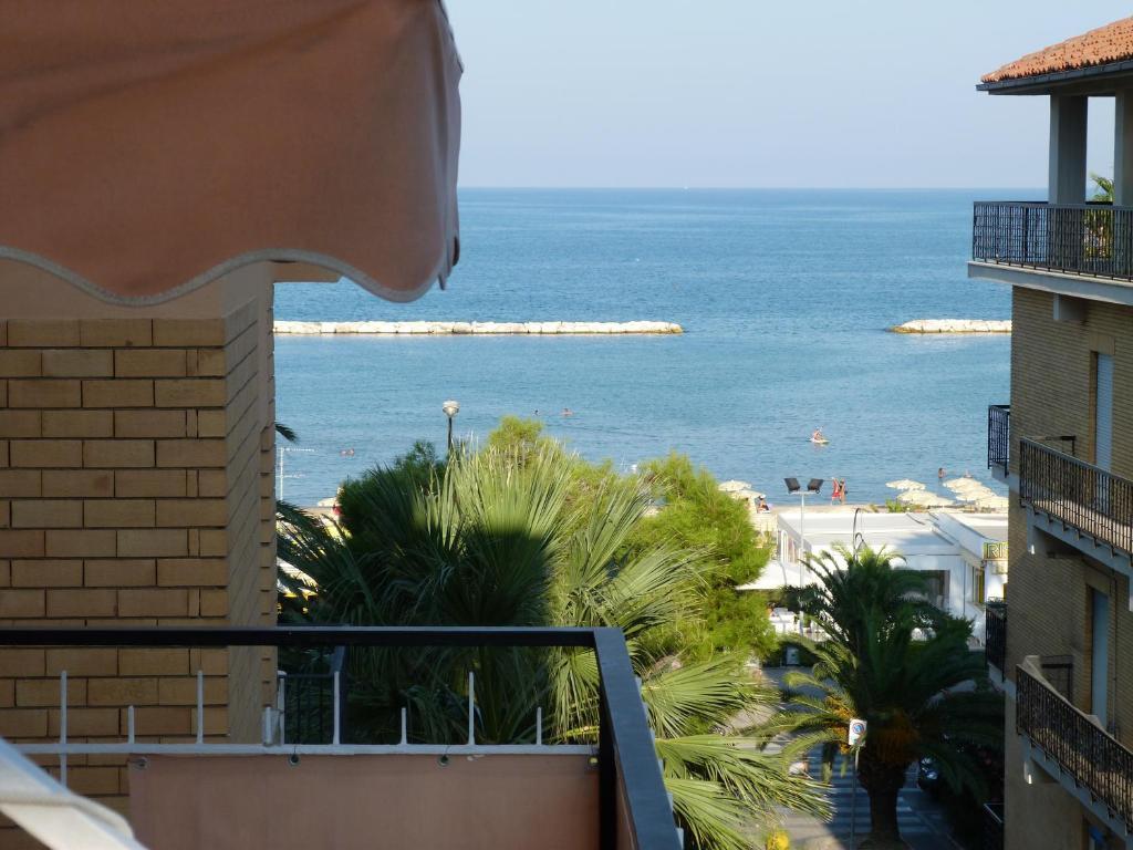 Üldine merevaade või majutusasutusest Hotel Bologna pildistatud vaade