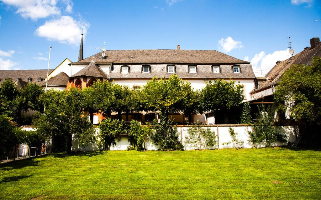 Hotel Klosterschenke (Deutschland Trier) - Booking.com