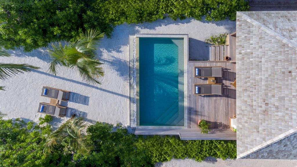 Hurawalhi Island Resort - Couples particularly like the location — they rated it 9.6 for a two-person trip.