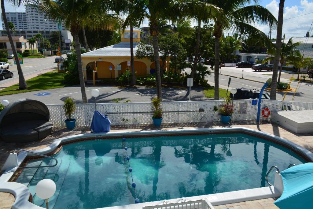 Horizon By The Sea Inn Fort Lauderdale Fl Booking Com