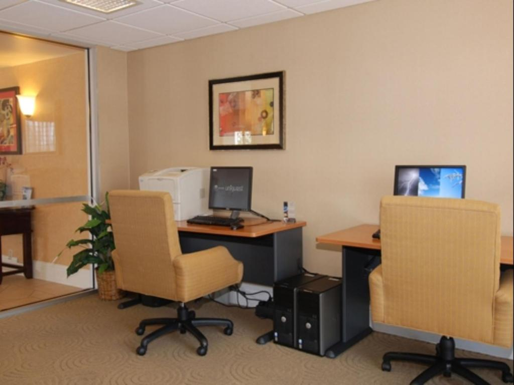 DoubleTree By Hilton Hotel - Livermore, CA - Booking.com