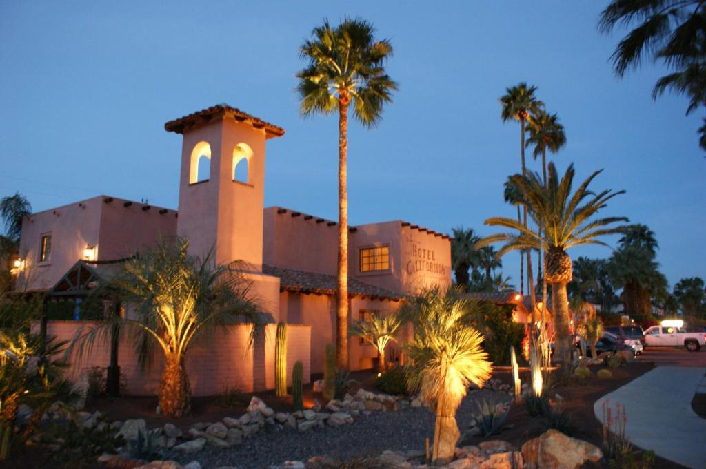 Hotel california palm springs updated 2018 prices for Hotel california