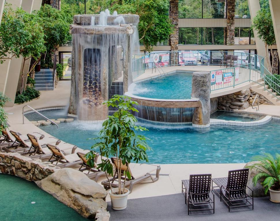 Pigeon Forge Hotels Deals With Indoor Swimming Pool