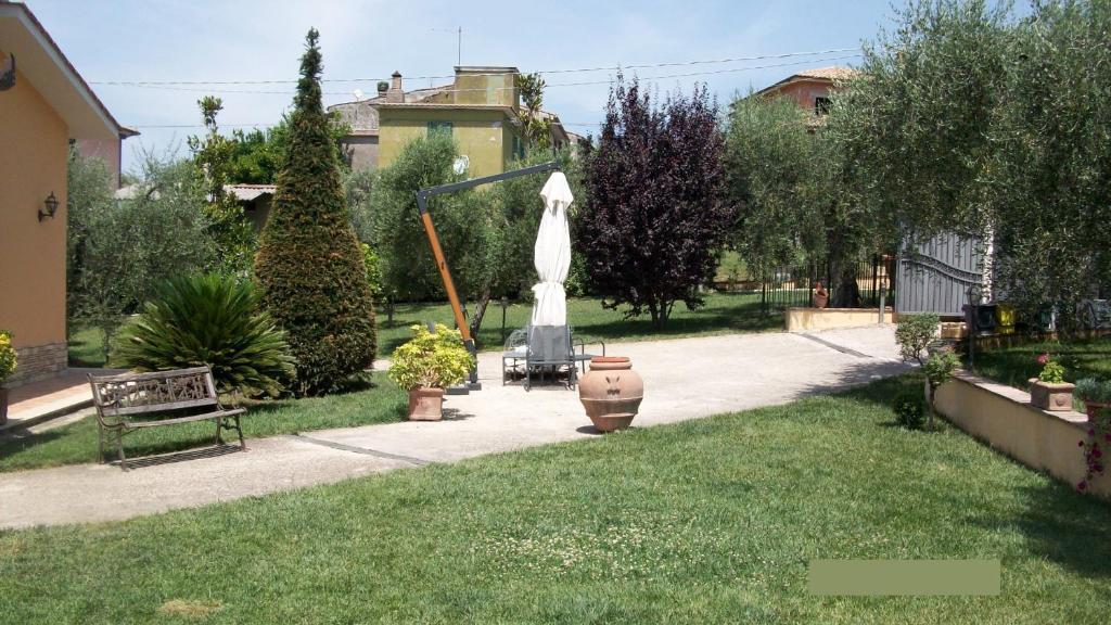 Il giardino degli ulivi canneto prezzi aggiornati per for Il giardino degli ulivi monteviale