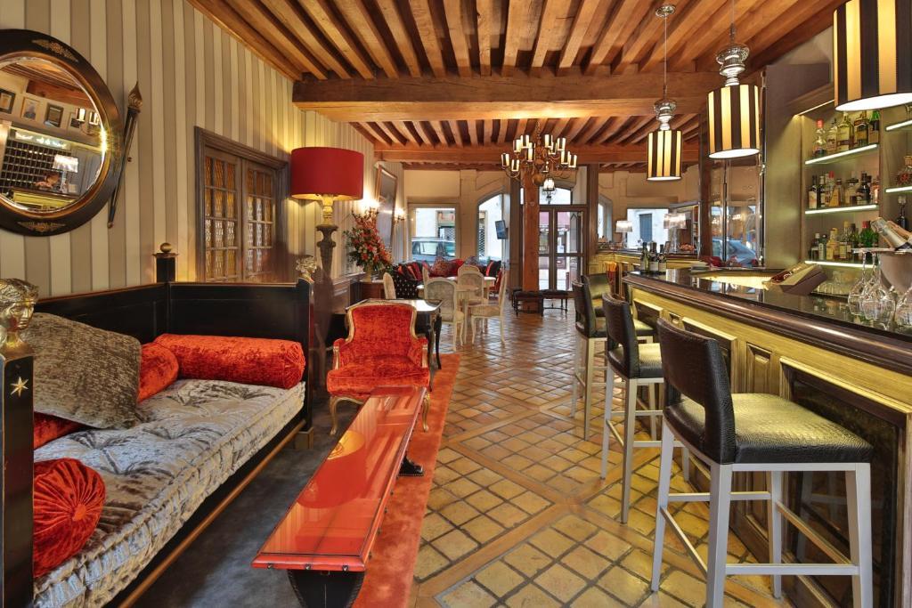 h tel le cep beaune france. Black Bedroom Furniture Sets. Home Design Ideas