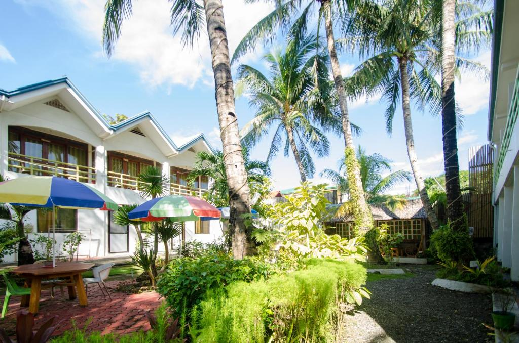 secret garden hotel boracay philippines