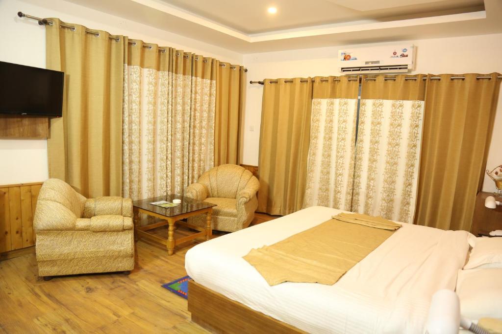 Manali Valley Resorts
