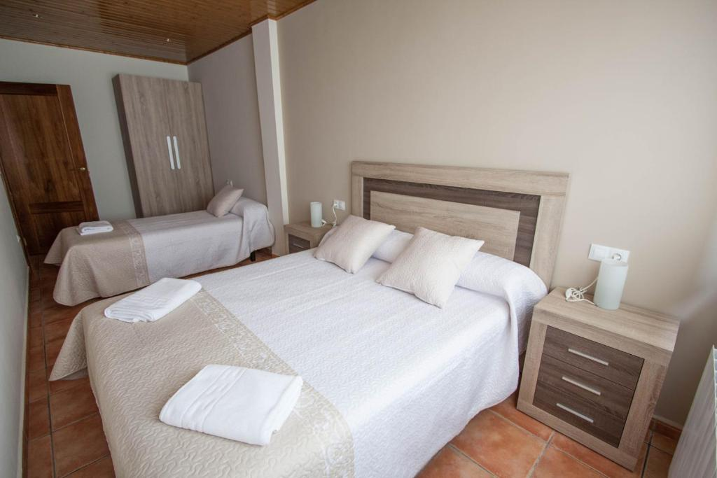 Hotels In El Castellar Aragon